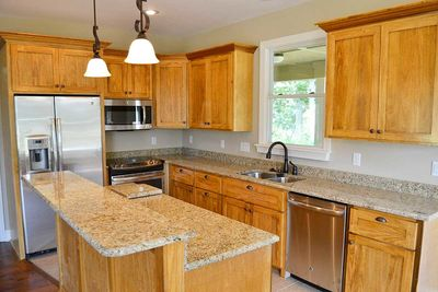 Cottage Escape with 3 Master Suites - 68400VR thumb - 10