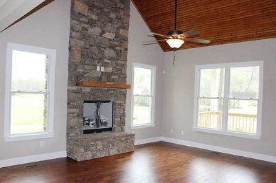 Cottage Escape with 3 Master Suites - 68400VR thumb - 14