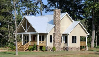 Cottage Escape with 3 Master Suites - 68400VR thumb - 03