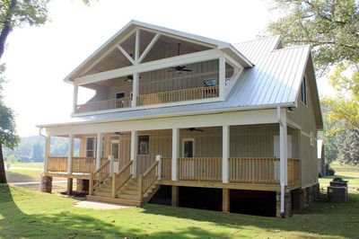 Cottage Escape with 3 Master Suites - 68400VR thumb - 06