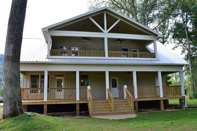 Cottage Escape with 3 Master Suites - 68400VR thumb - 07