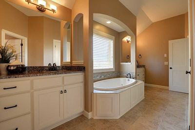 Craftsman Beauty With 2-Story Great Room - 73342HS thumb - 30