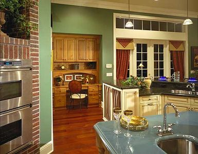 Southern Colonial with Two-Story Balcony - 83382CL thumb - 09