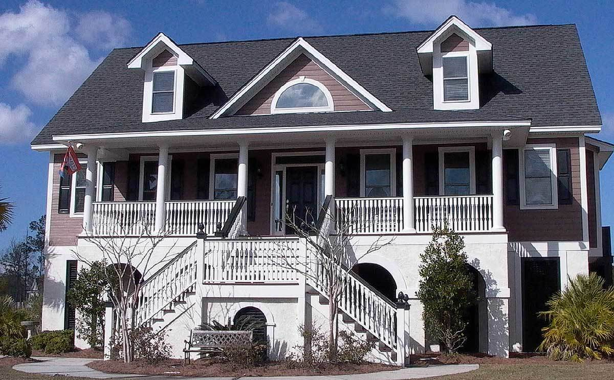 Low country home with t shaped staircase 91009gu 1st for Low country homes