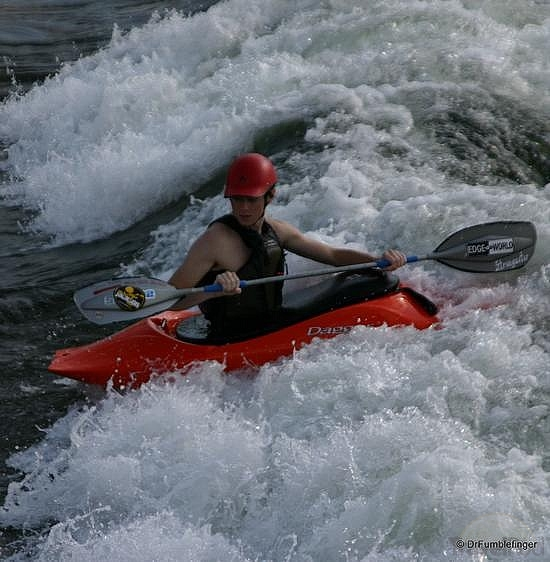 missoula-kayaking-on-the-clark-fork-river-missoula