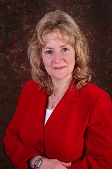 Real Estate Agent Bonnie Augostino