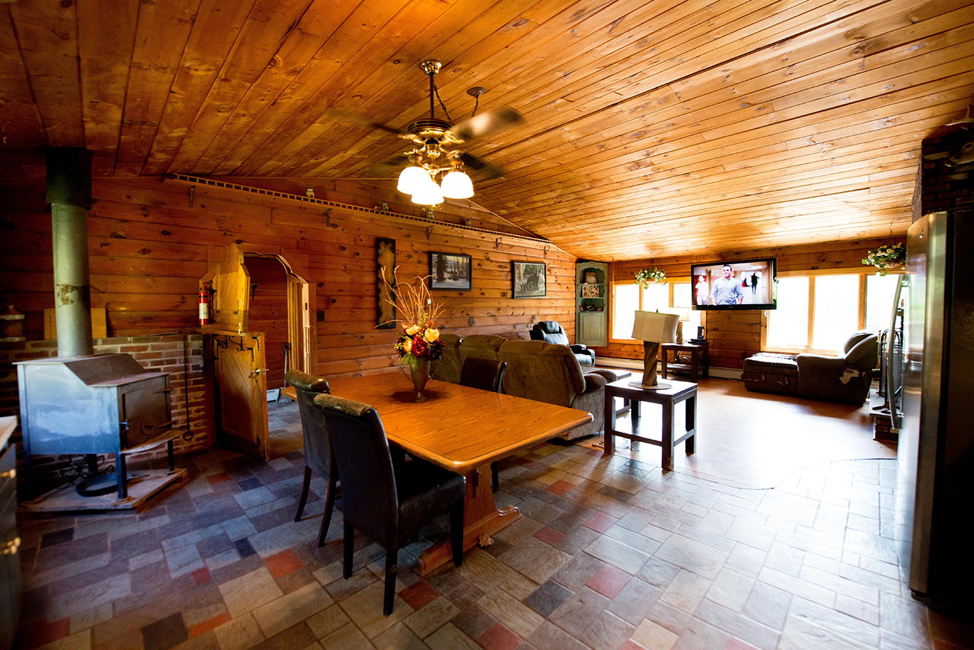 Upstate Spacious Log Cabin