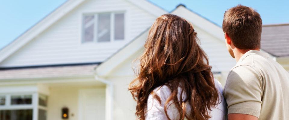 home-buyer-couple