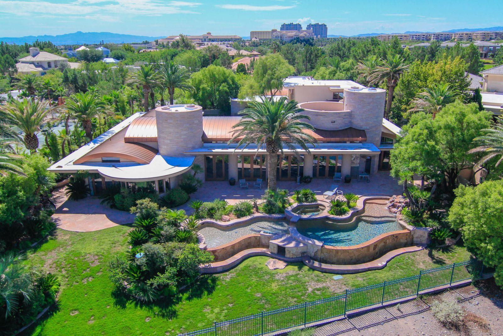 PHOTO: SEP 04:  Vegas Helicam Aerial Photo - Players Club Drive