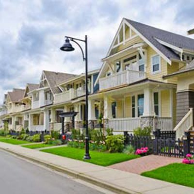suburban-houses-sidewalk-neighborhood-real-estate