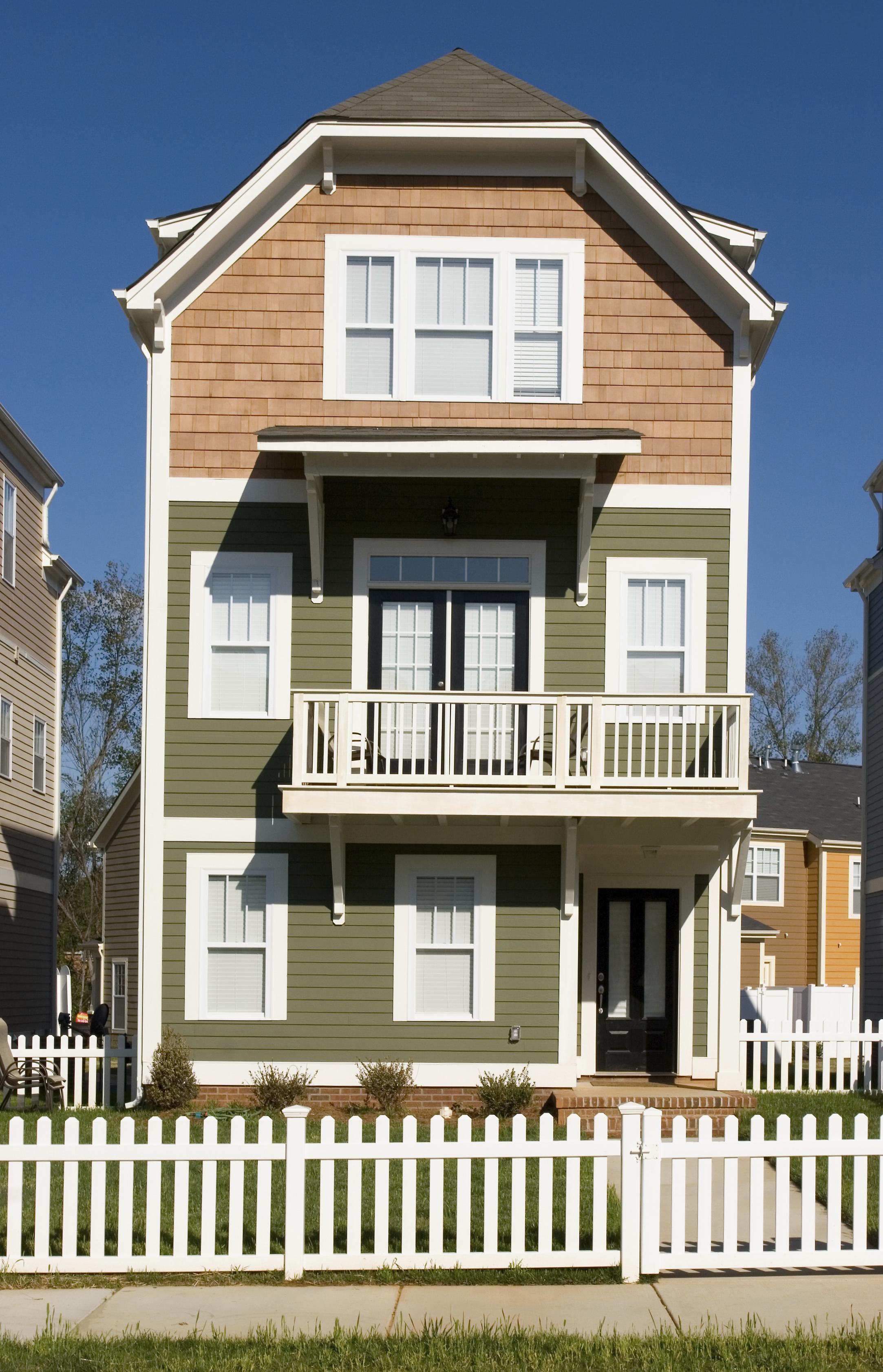 Huntersville Real Estate