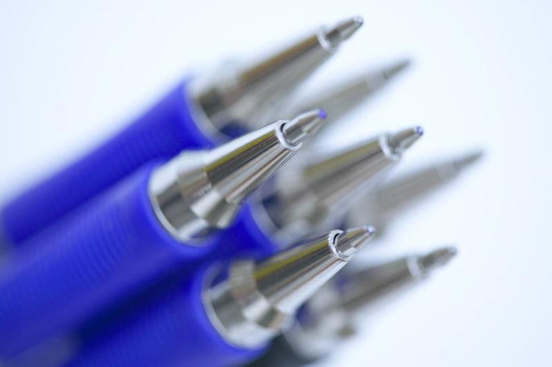 blue_pens