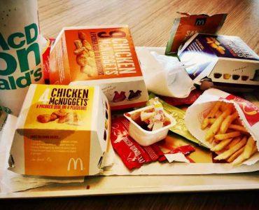 junk food cause acne