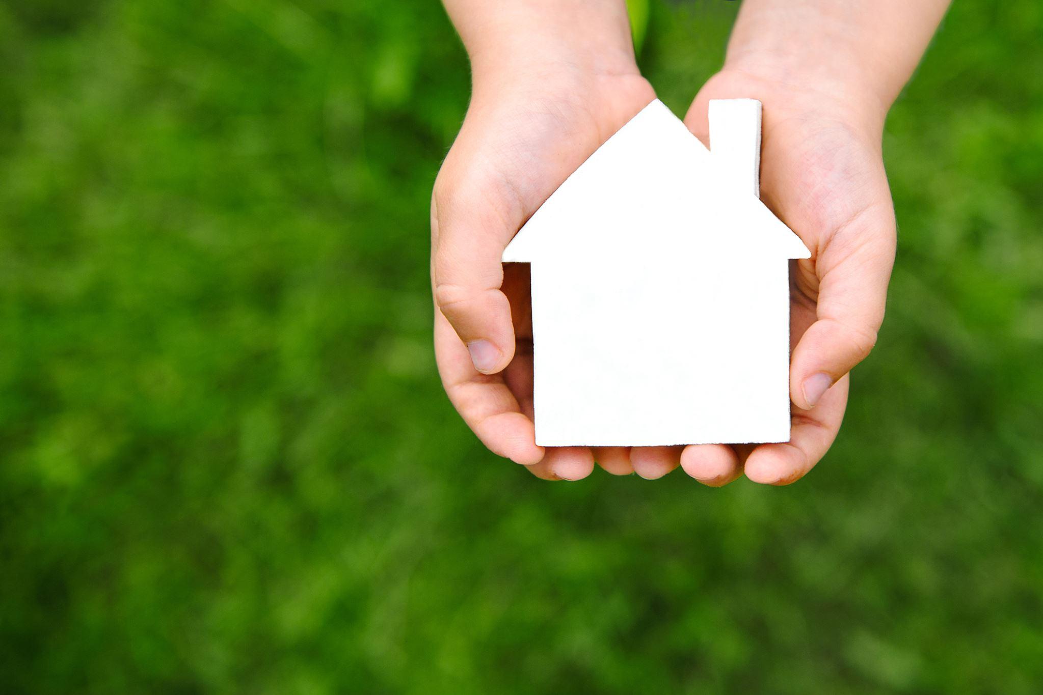 housemaster-home-in-hands