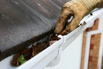 housemaster-clean-gutters