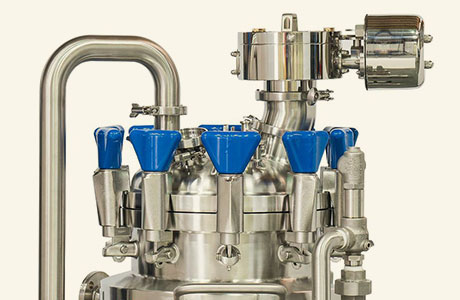 HOLLOWAY crafts ASME pressure vessels to code, as with the ASME mixer tank pictured here.