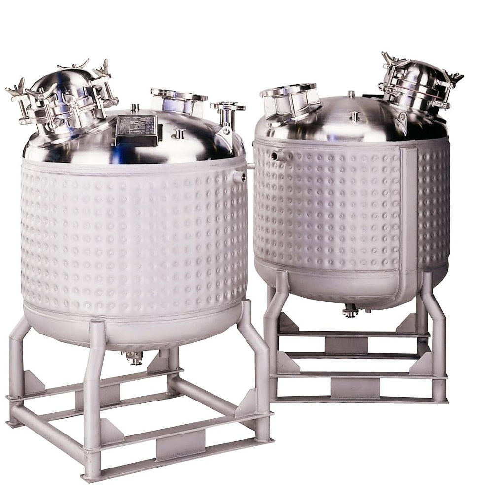 HOLLOWAY's stainless steel milk cooling tanks may look like the one shown here.