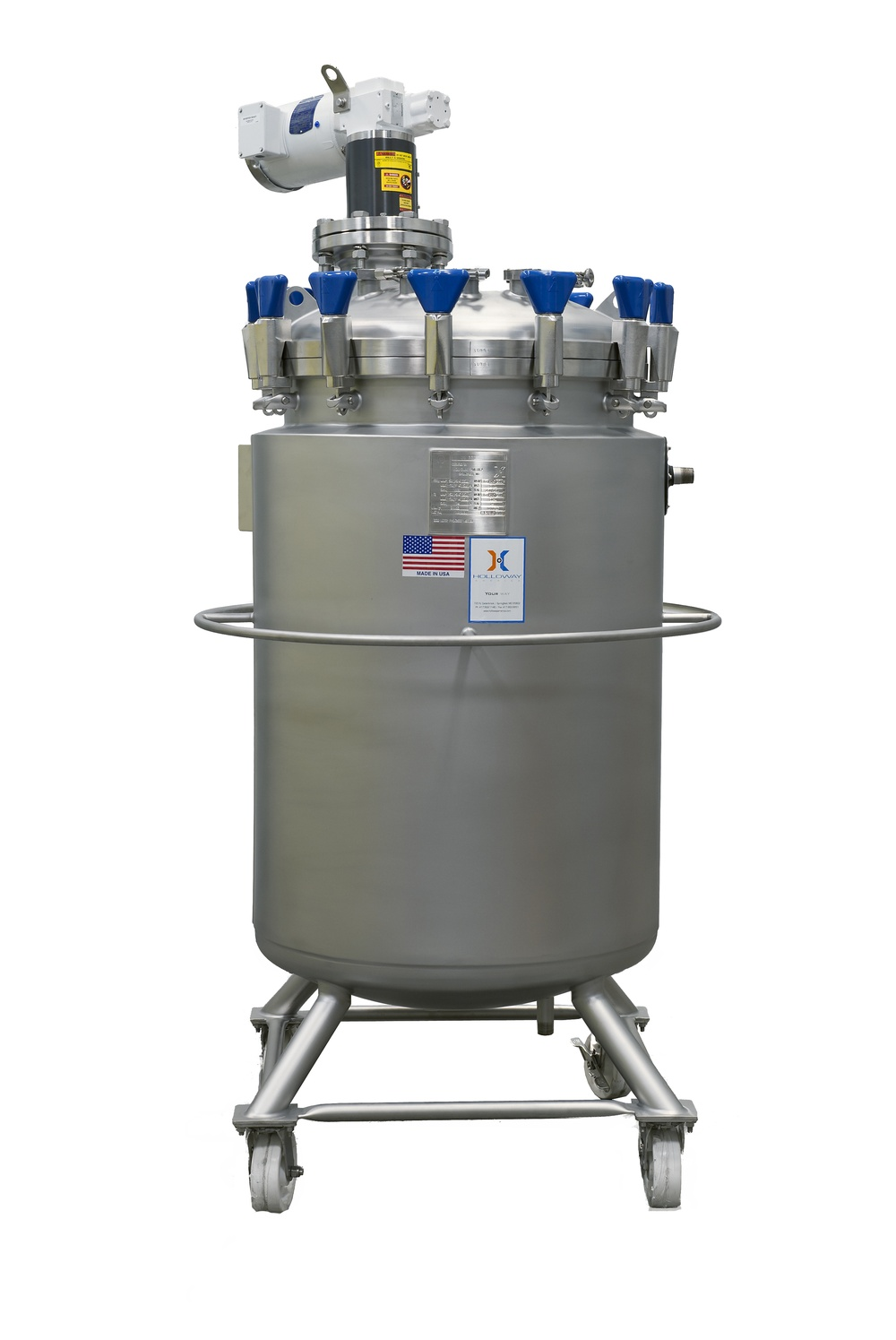 HOLLOWAY proudly crafts mixing tanks like this one for the beverage industry.