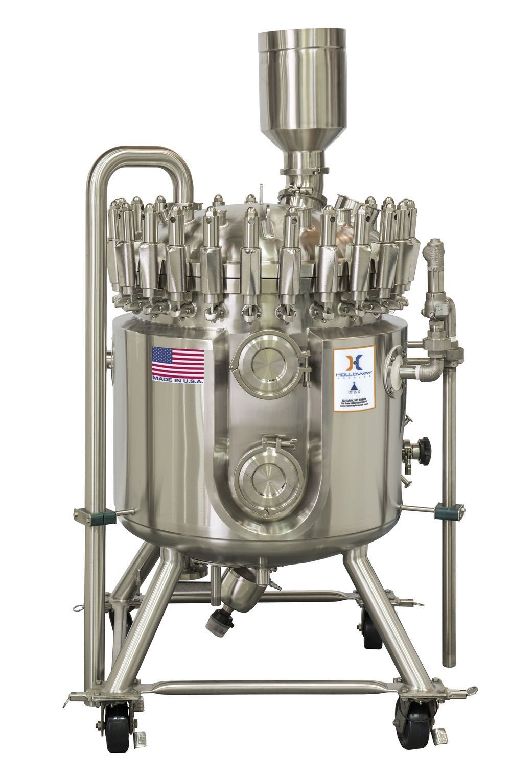 Like this stainless steel tank, HOLLOWAY pressure vessels are available as portable vessels.