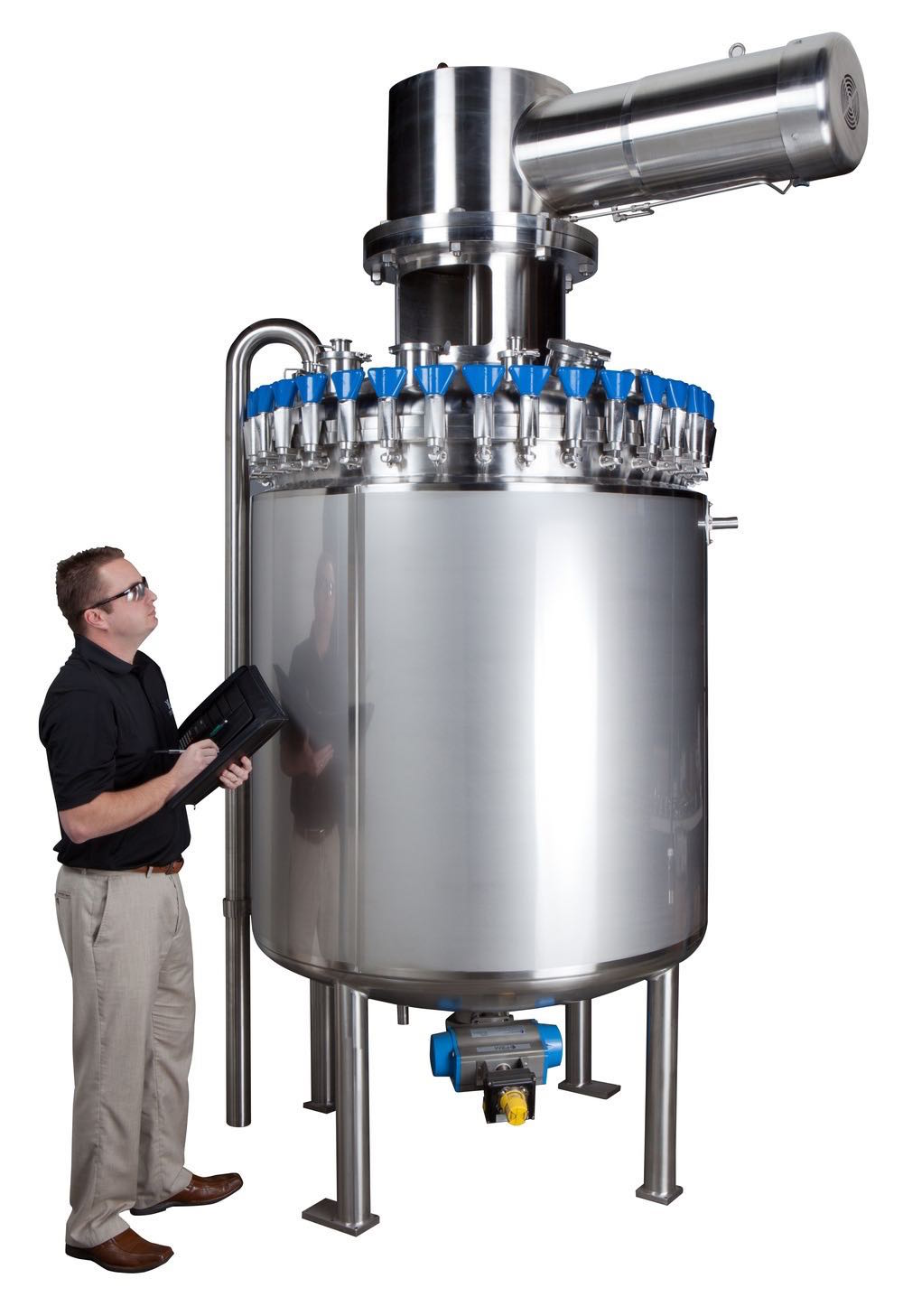 Stainless steel tanks and pressure vessels like this one set a standard.