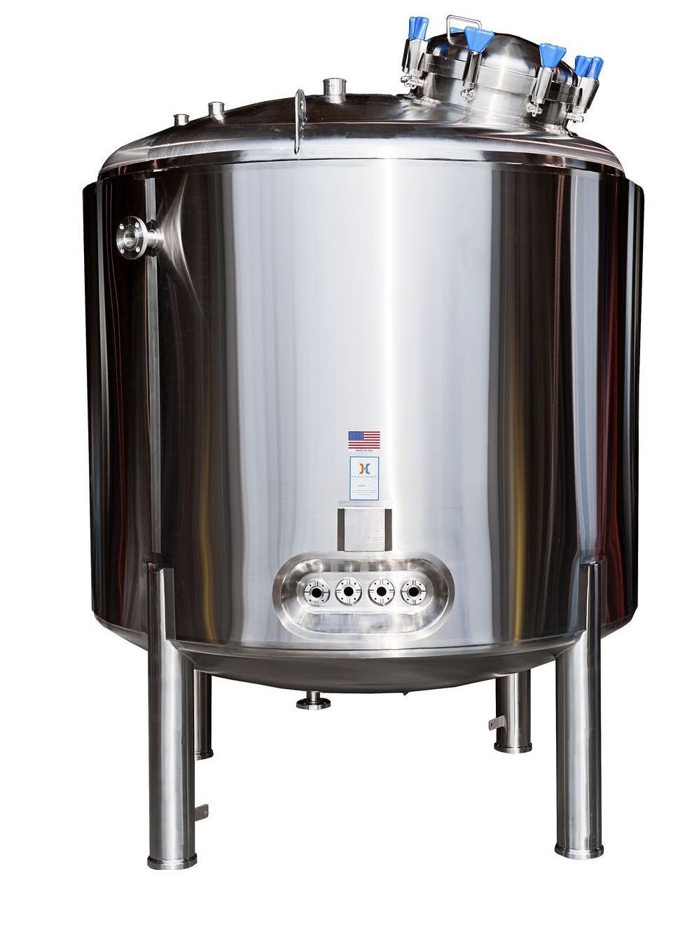 WFI pressure vessels, such as this stainless steel tank, keep water purified.
