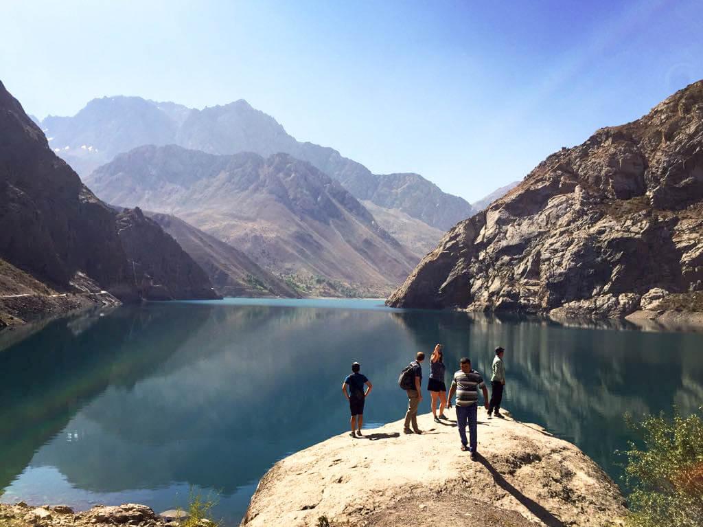 Dushanbe – Iskander Kul – Penjikent (290km, 7h)