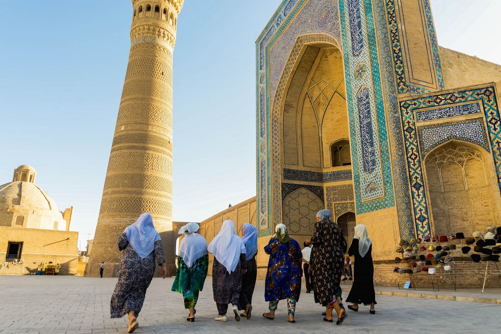 Bukhara – Khiva (480 km, 8h)