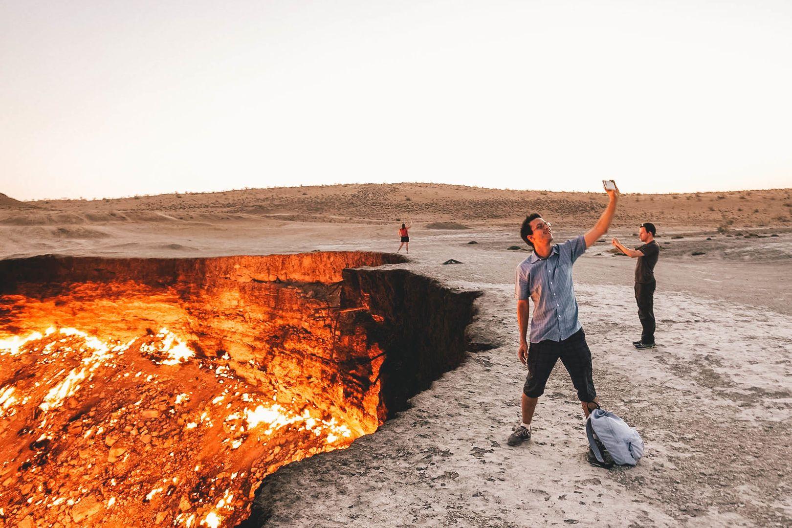 Khiva – Kunya Urgench – Darvaza Gas Crater (450km, 8h)
