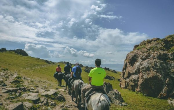 Horseback: Kilemche – Song Kul Lake