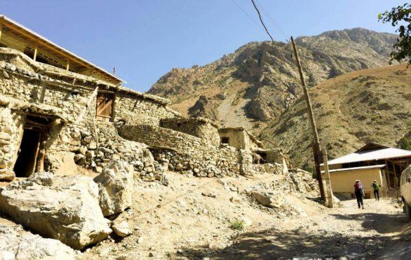Day 10: Zimtud – Tovassang Pass (MTB/trekking, 20km +1500m/-750m)