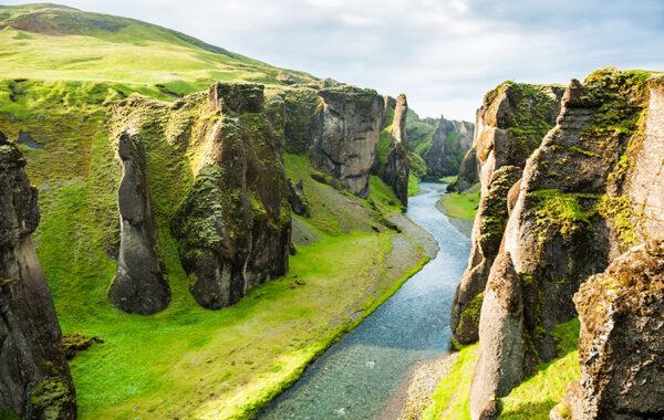 Hike the ravines of Fjadrargljufur canyon