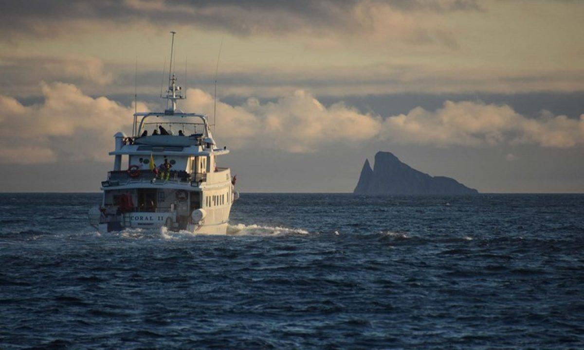 010 Coral Galapagos Yacht