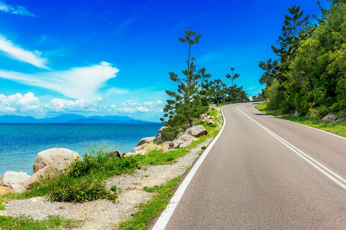 Aus road Magnetic Island