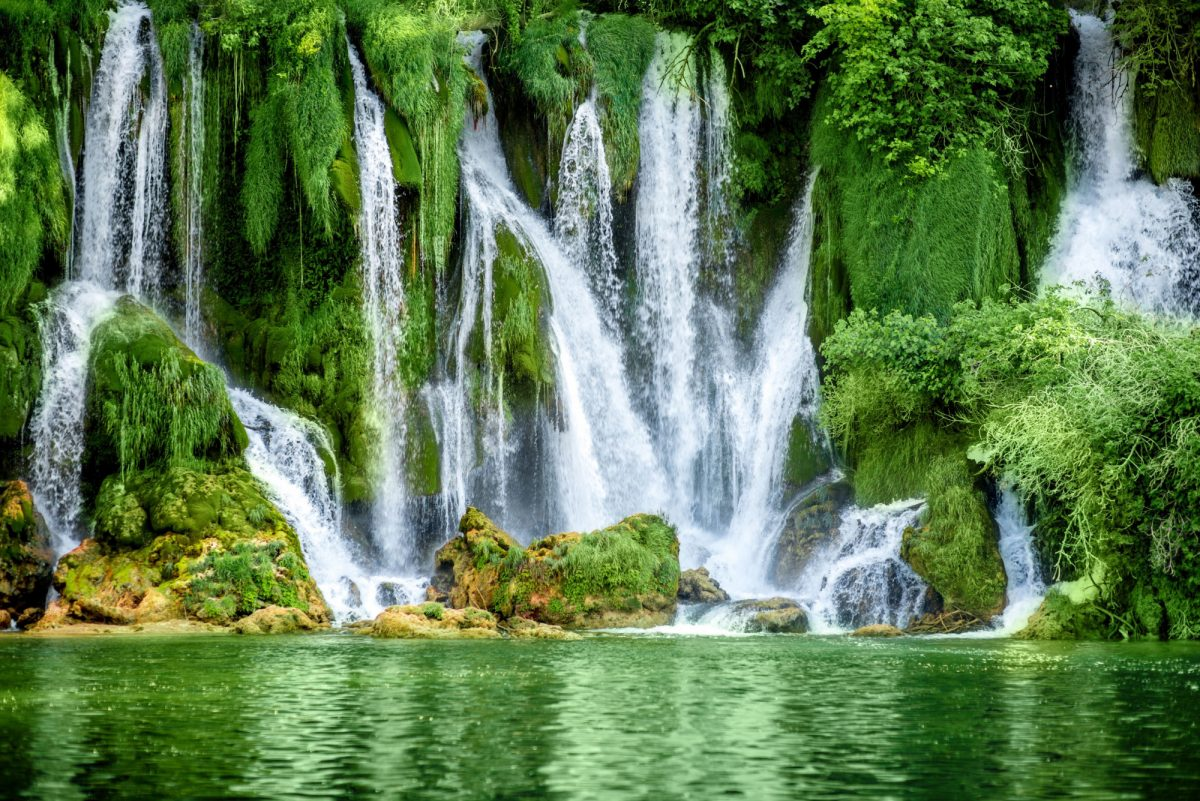 Bosnia Kravice waterfalls2