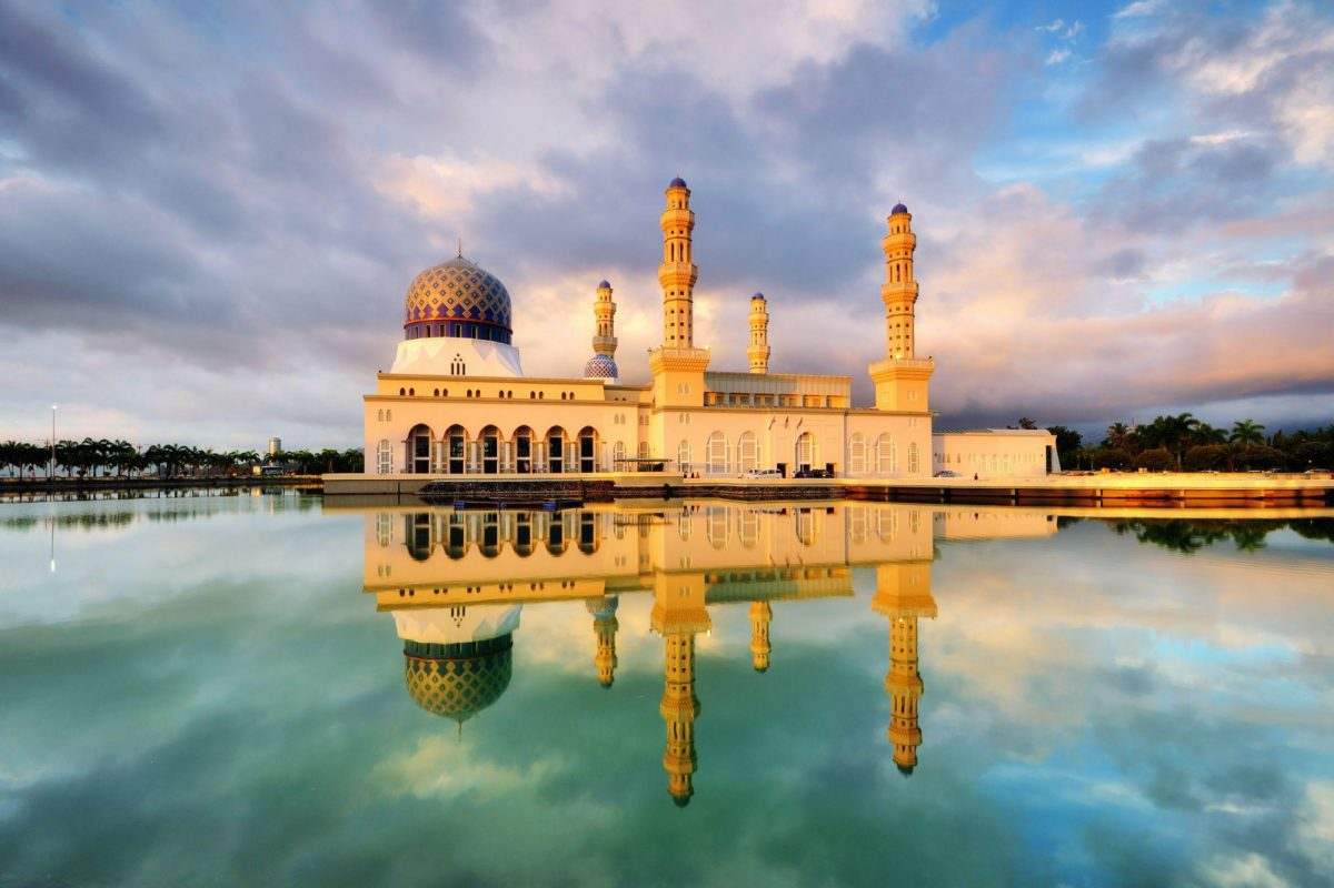 Kota Kinabulu floating mosque