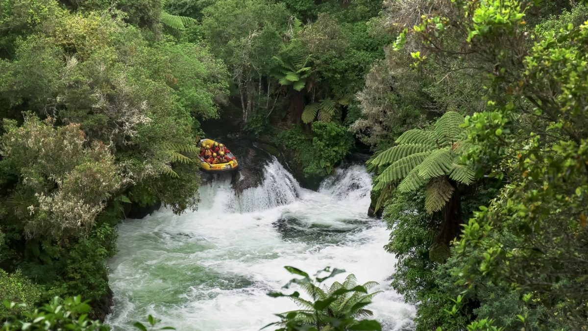 NZ Whitewater rafting Kaituna Falls Rotorua