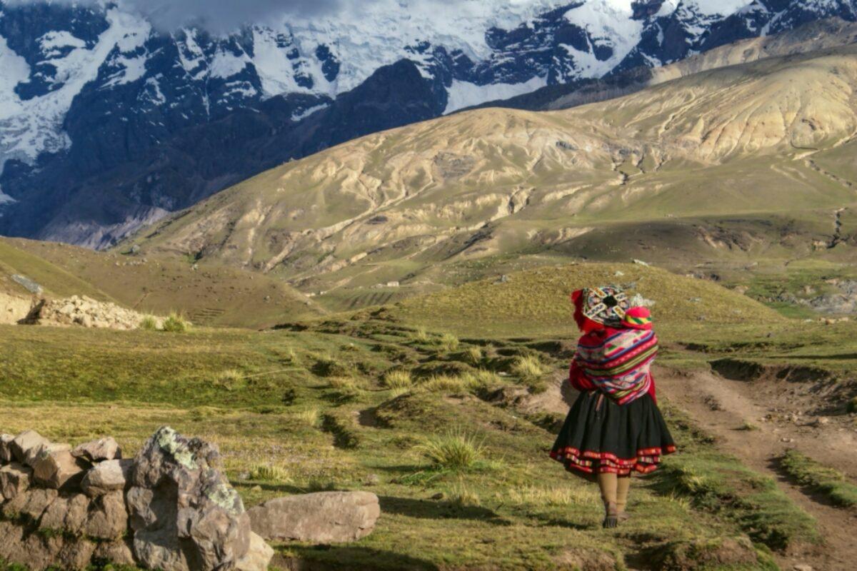 Peru-mountain-indigenous