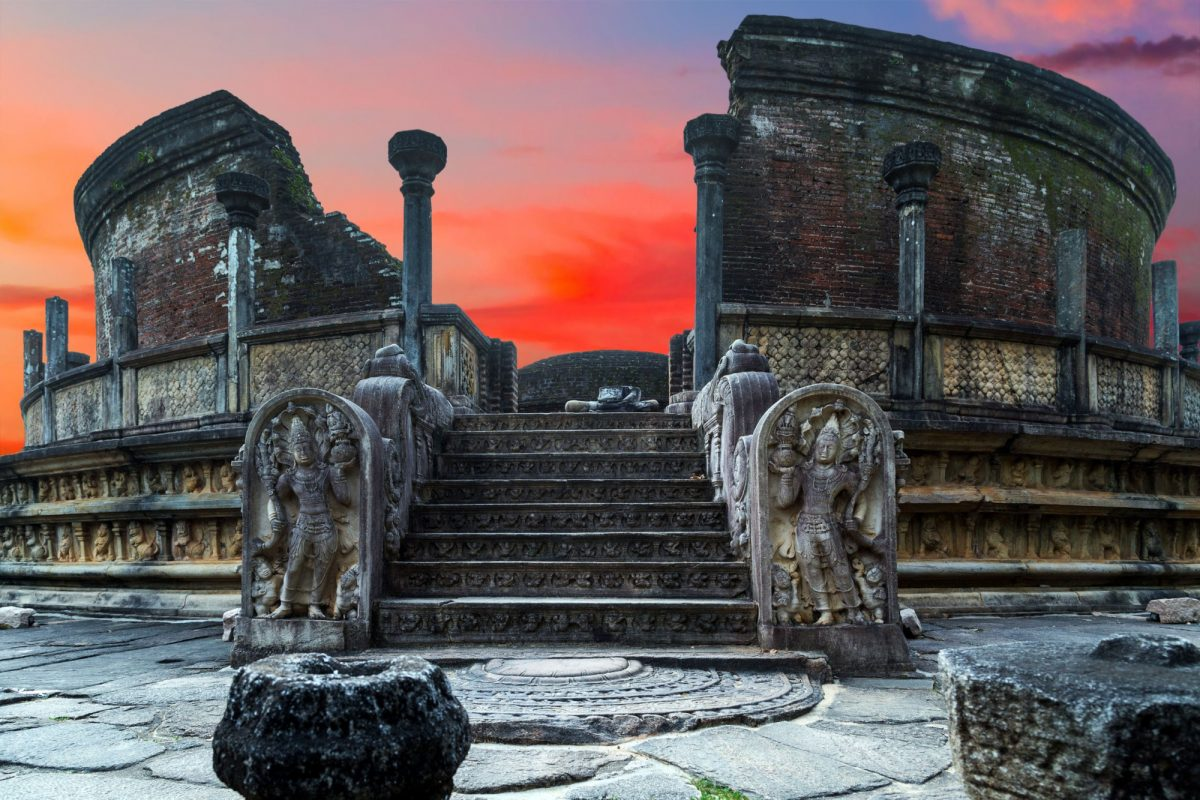 Sri Lanka Polonnaruwa Vatadag2