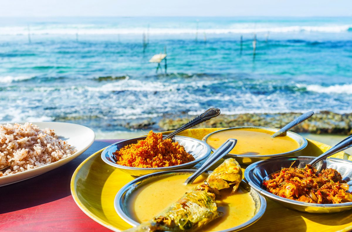 Sri-Lanka_food_fishcurry