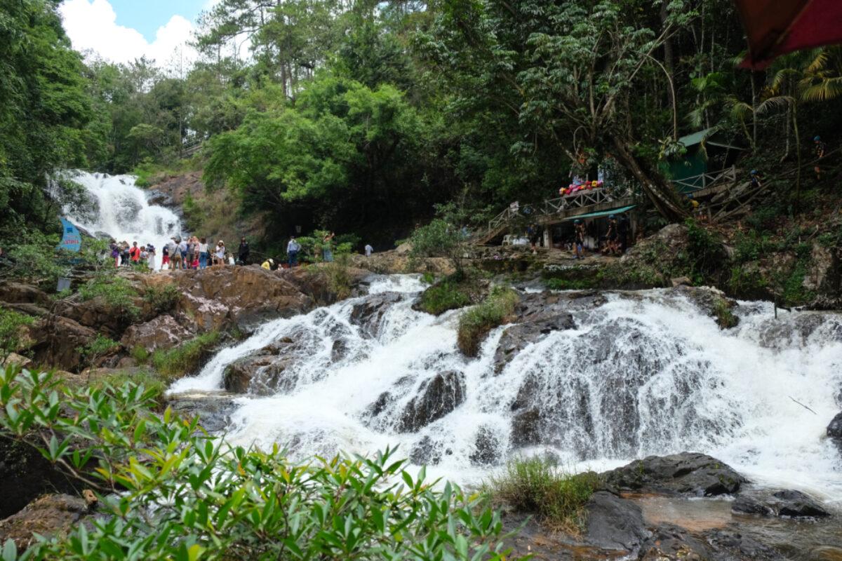 Vietnam_Dalatawaterfalls