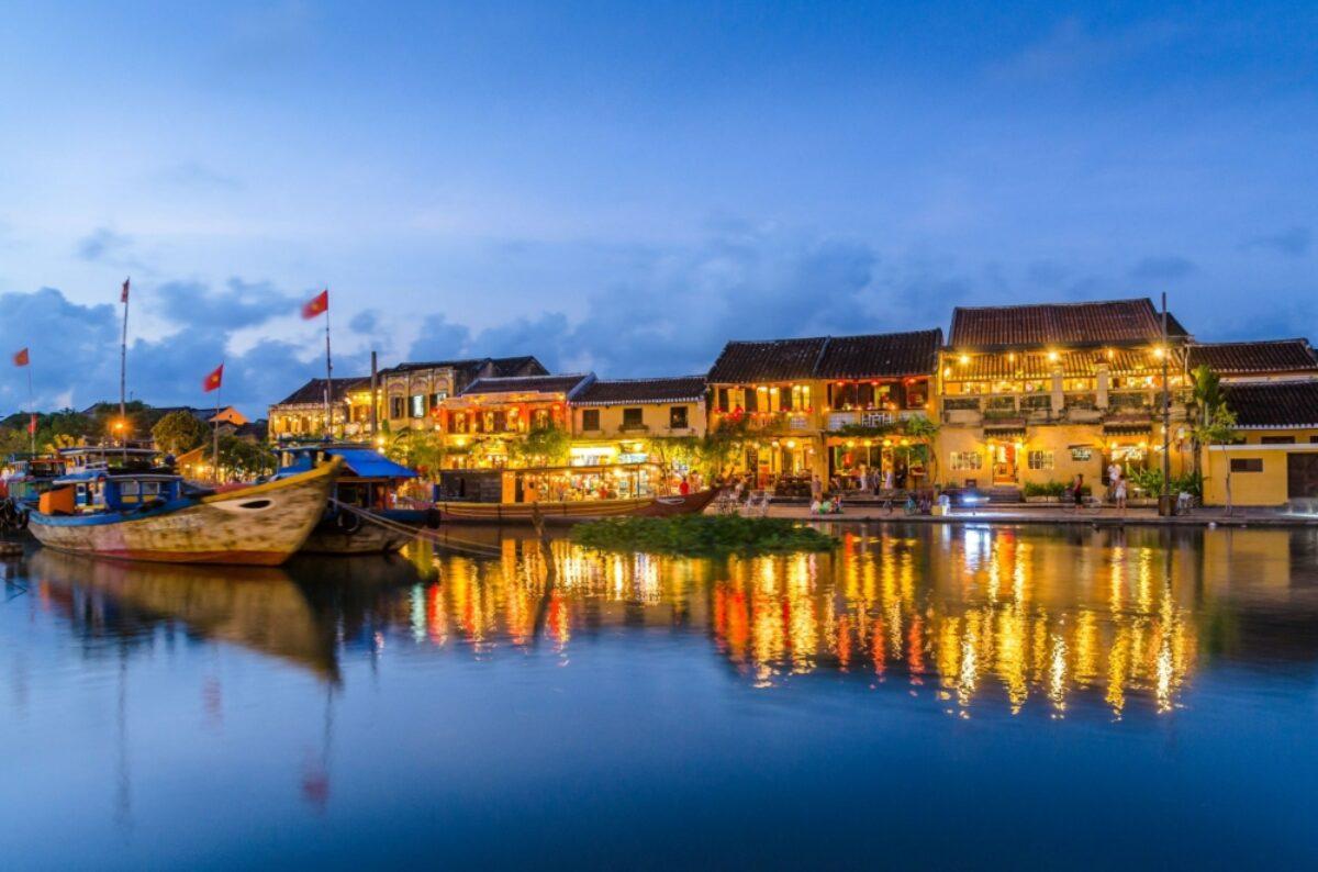 Vietnam Hoian riverside