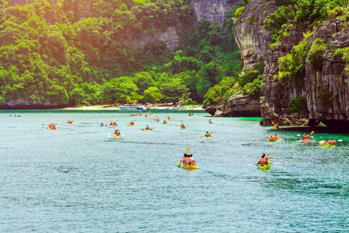 Sea kayaking Ang Thong National Marine Park ko samui thailand