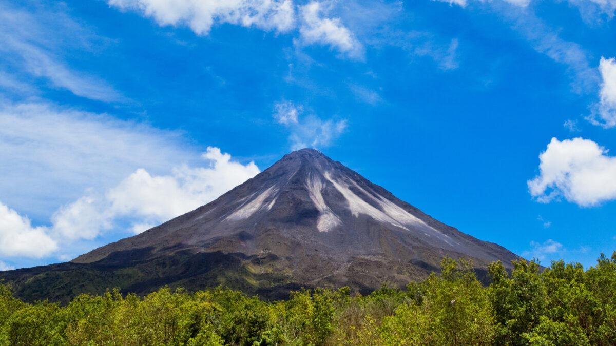 Costa-Rica_arenal-volcano