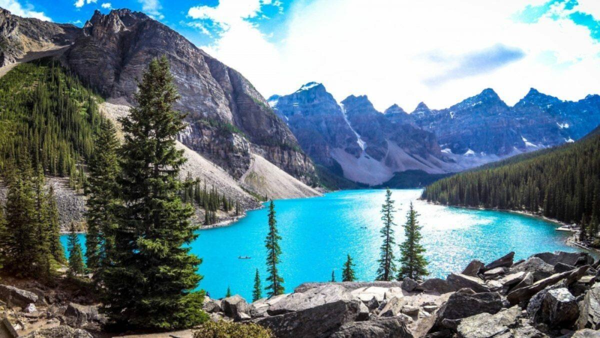 Discover North America lake