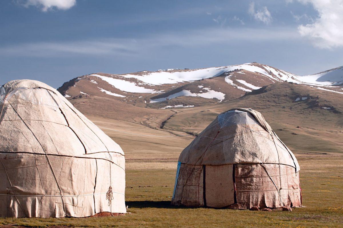 Kyrgyzstan_yurts