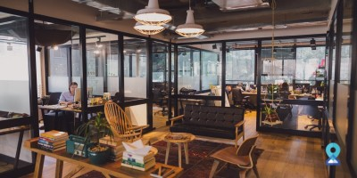 Why is connectivity important for a coworking space in Delhi?