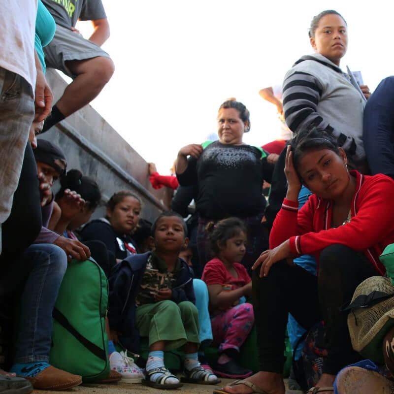 honduran-migrant-children-mother