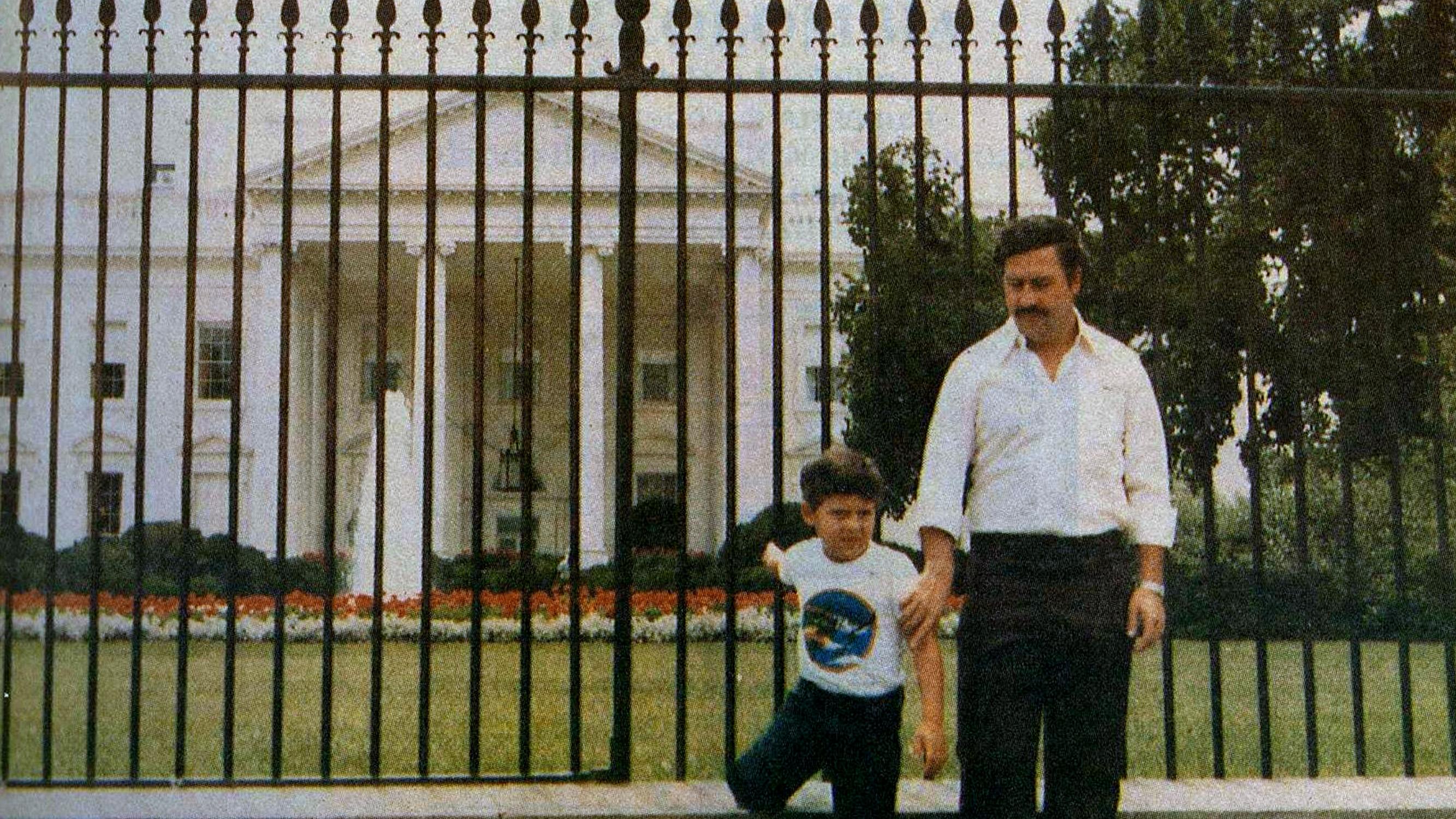 pablo-escobar-whitehouse1.jpg