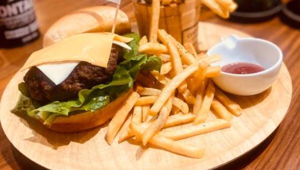 vegetable cafe & seafood bar saien