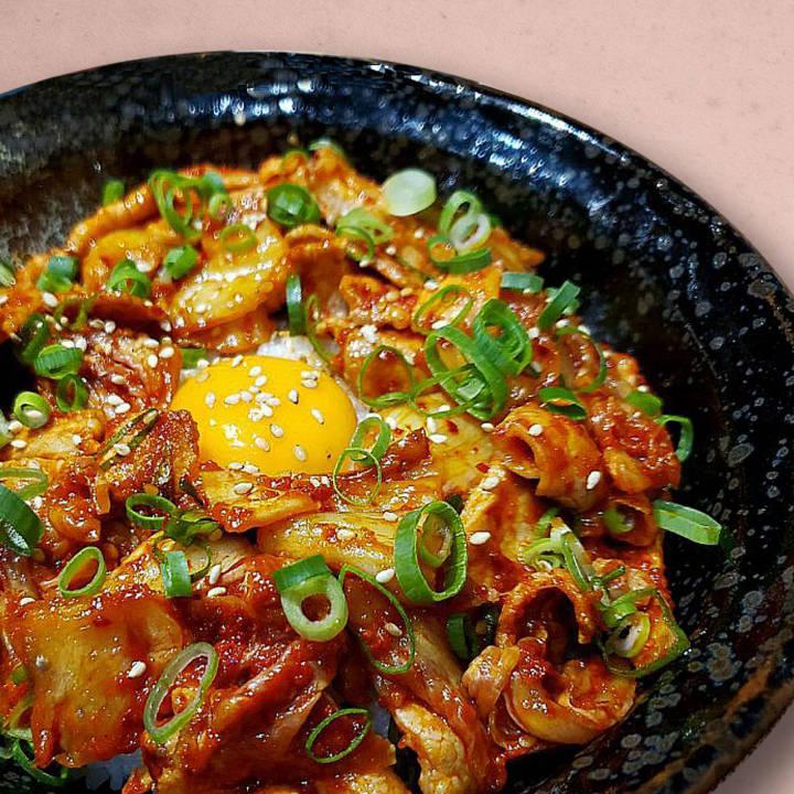 韓国料理 肉まる 心斎橋店